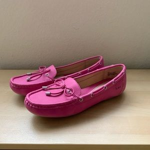B.O.C. Women 8 M Loafer. Pink